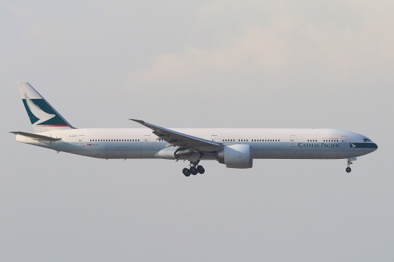 Cathay Pacific Boeing 777-367ER (B-KPT) landing on RWY07L of Hong Kong International Airport.