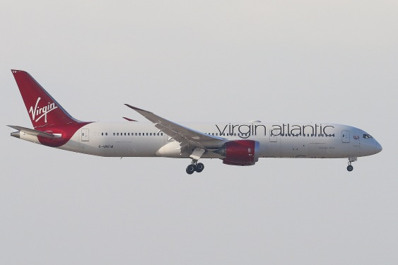 Virgin Atlantic Boeing 787-9 Dreamliner (B-VNEW) landing on RWY07R of Hong Kong International Airport.